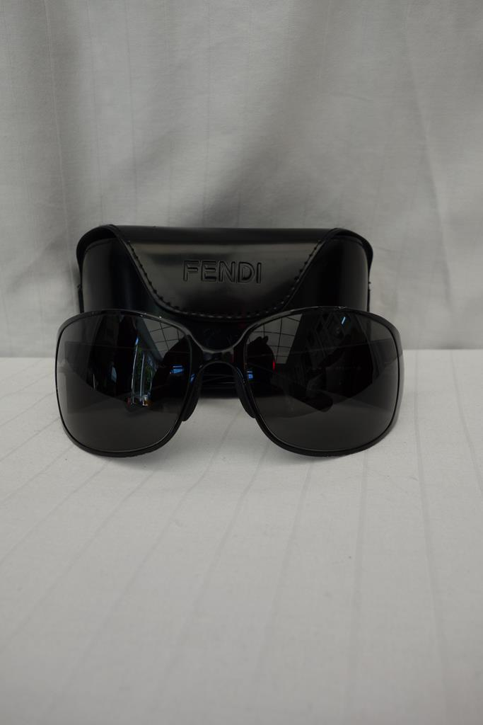 Fendi Sunglasses at Michelo Haak Lifestyle DSC01013