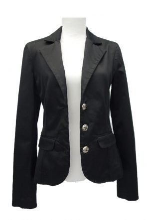 Guess-Jacket-at-Michelo-Haak-Lifestyle-Featured Image