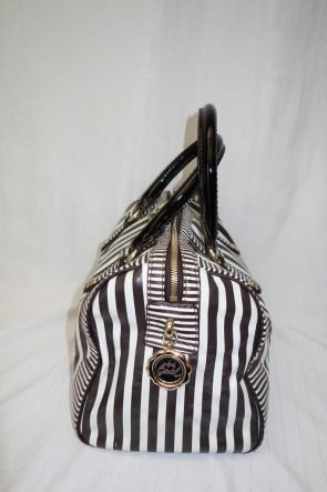 Henri Bendel Bag at Michelo Haak Lifestyle