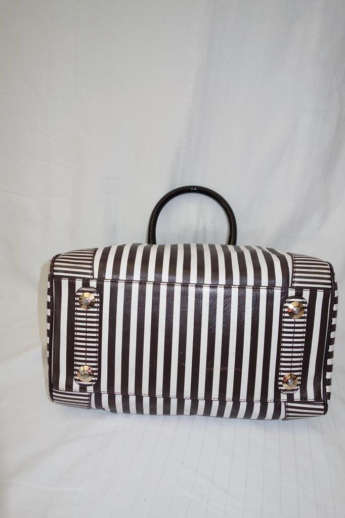 Henri Bendel Bag at Michelo Haak Lifestyle