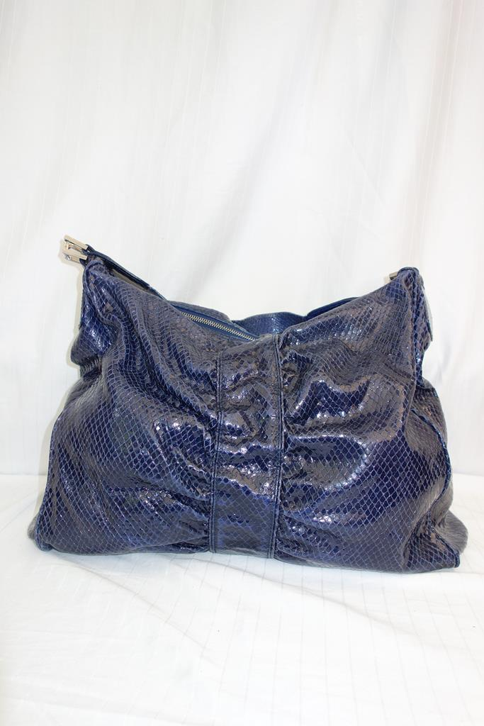 LK Bennett Handbag at Michelo Haak Lifestyle image no DSC00399