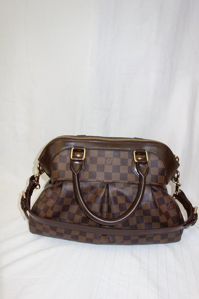 Louis Vuitton Tivoli Handbag at Michelo Haak Lifestyle