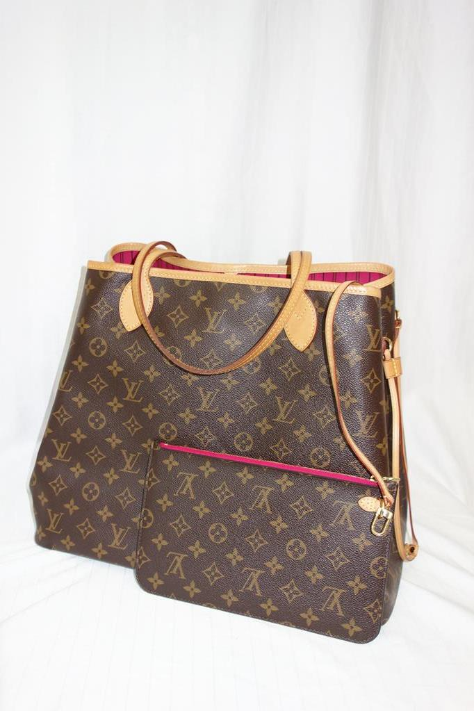 Louis Vuitton Never Full bag at Michelo Haak Lifestyle