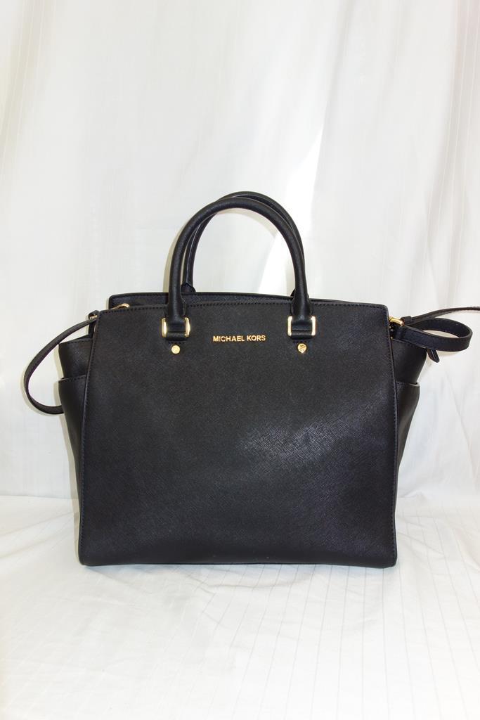 Michael Kors handbag at Michelo Haak Lifestyle