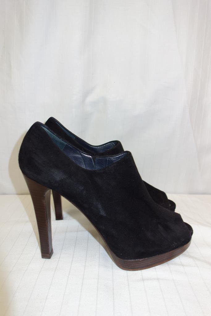 Stuart Wiessman shoes at Michelo Haak Lifestyle DSC00589