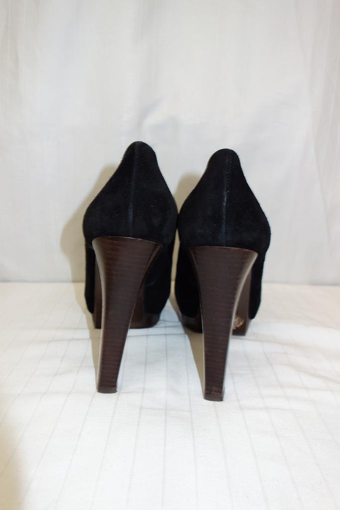 Stuart Wiessman shoes at Michelo Haak Lifestyle DSC00590