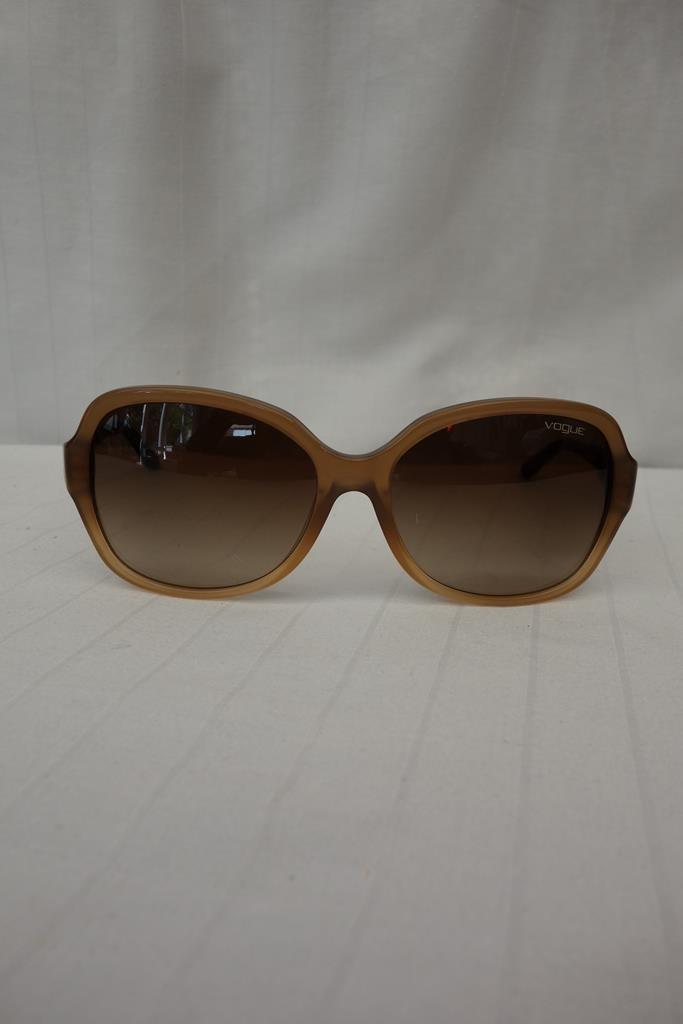 Vogue Sunglasses at Michelo Haak Lifestyle DSC01055