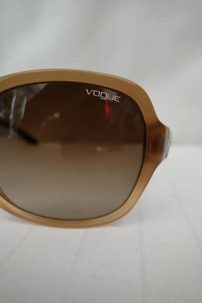 Vogue Sunglasses at Michelo Haak Lifestyle DSC01057