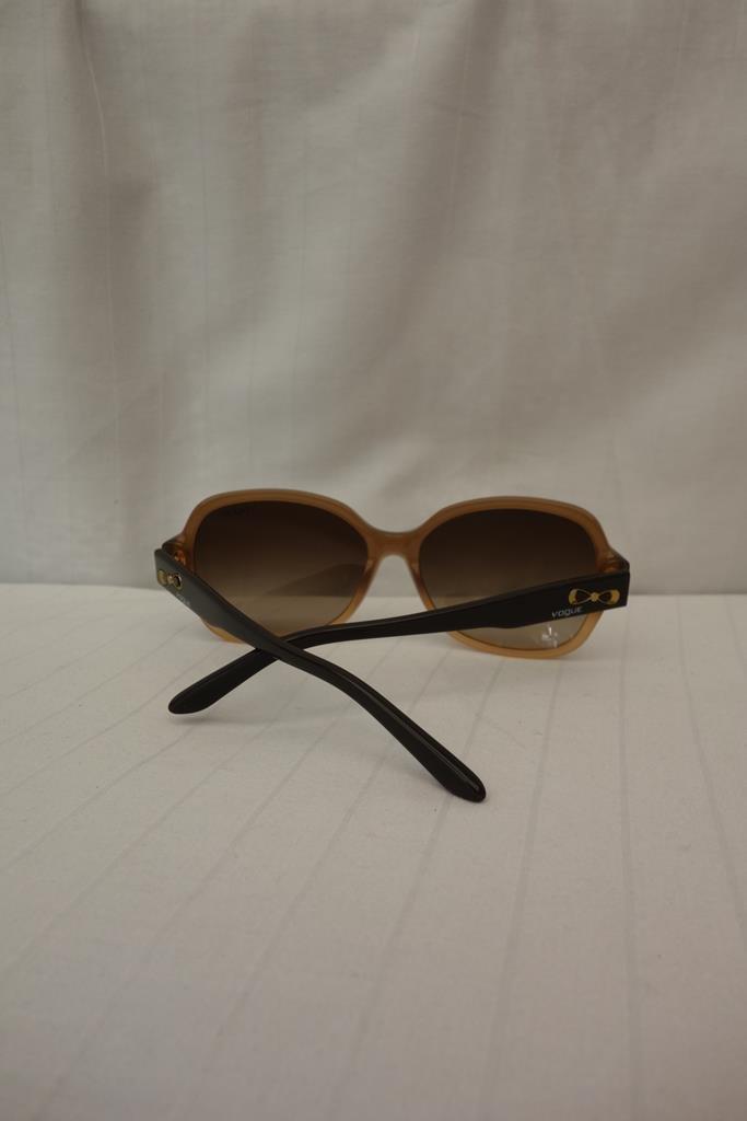 Vogue Sunglasses at Michelo Haak Lifestyle DSC01060